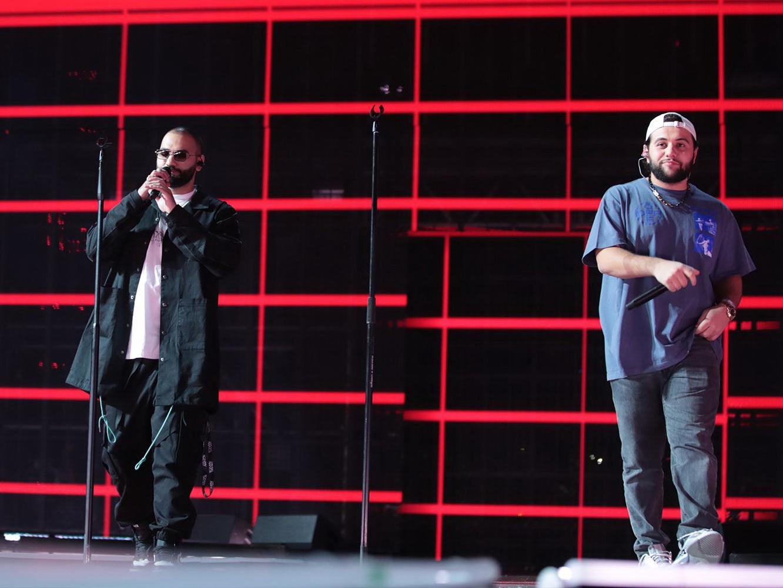 Конфуз со звуком у Hammali & Navai: 25-тысячный стадион спас артистов, спев «Прятки» вместе с ними – ФОТО – ВИДЕО
