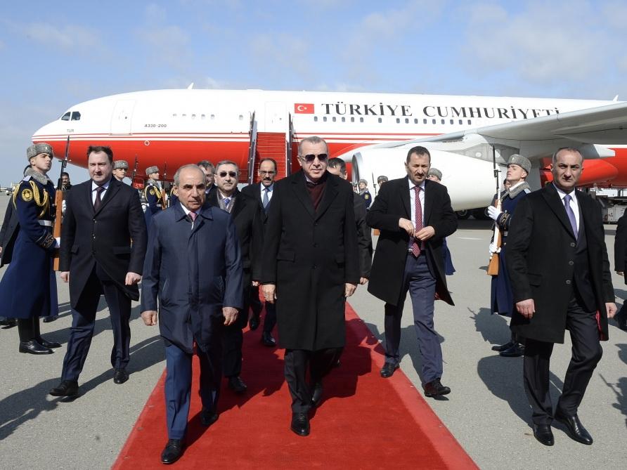 Эрдоган прибыл в Баку - ФОТО