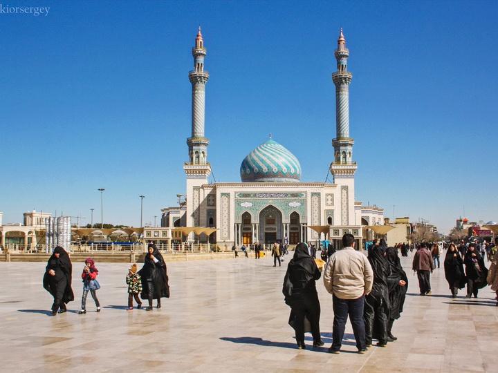 Минздрав Азербайджана призвал население повременить с посещением святынь в Иране