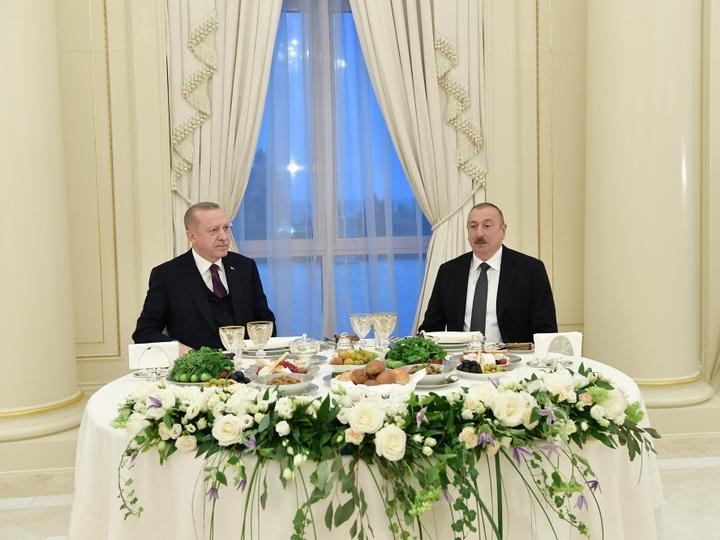 От имени Президента Ильхама Алиева дан прием в честь Президента Турции Реджепа Тайипа Эрдогана - ФОТО