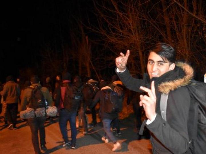 СМИ: Турция открыла границу в Европу для сирийских беженцев - ФОТО