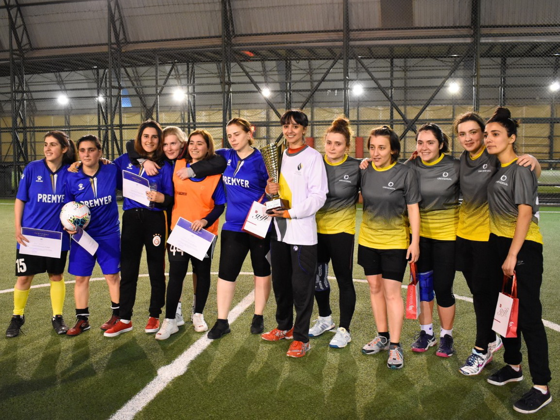 """""""MFL Ladies 2020""""-nin qalibi """"Universal"""" komandası oldu – FOTO"""