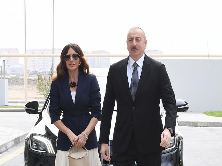 Prezident İlham Əliyev Hövsan yaşayış kompleksinin açılışında iştirak edib - FOTO - YENİLƏNİB