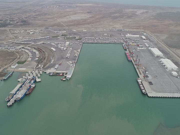 Бакинский порт оказал помощь Фонду поддержки борьбы с коронавирусом