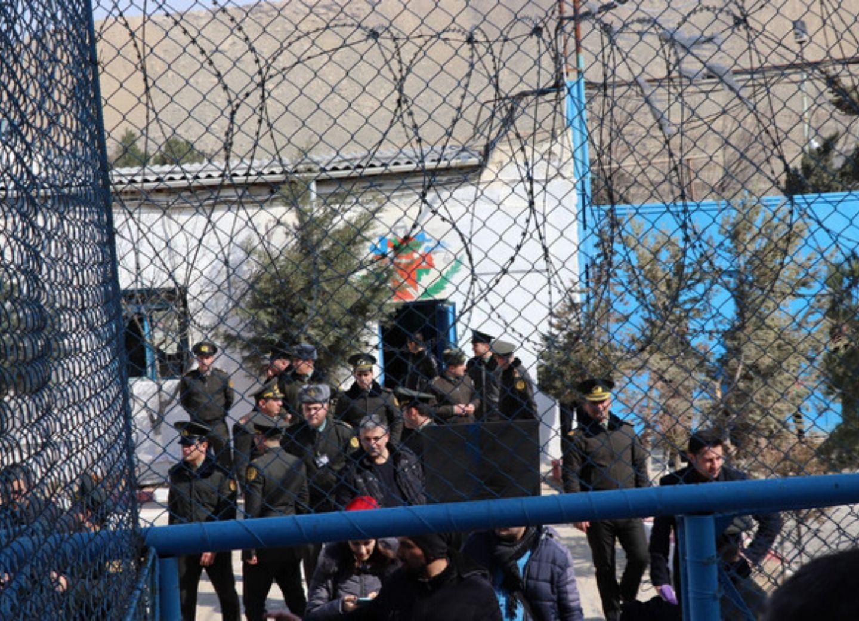 В Азербайджане освобождена большая группа заключенных