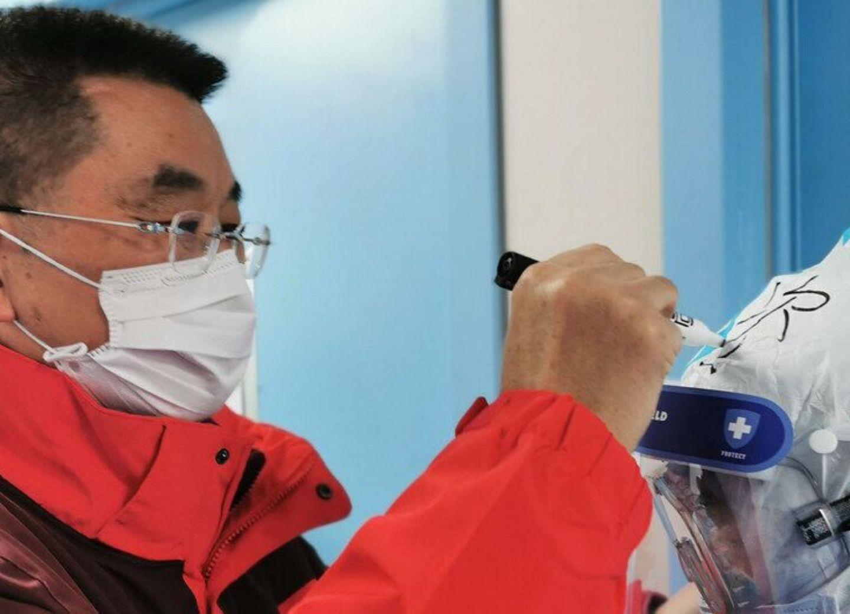 Работать приходилось на износ:Китайский врач о борьбе с эпидемией коронавируса в провинцииХубей– ФОТО