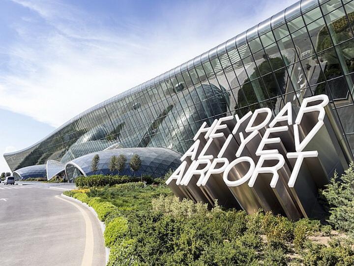 В самолете, на котором азербайджанцы летели из Польши в Азербайджан, возникла неисправность