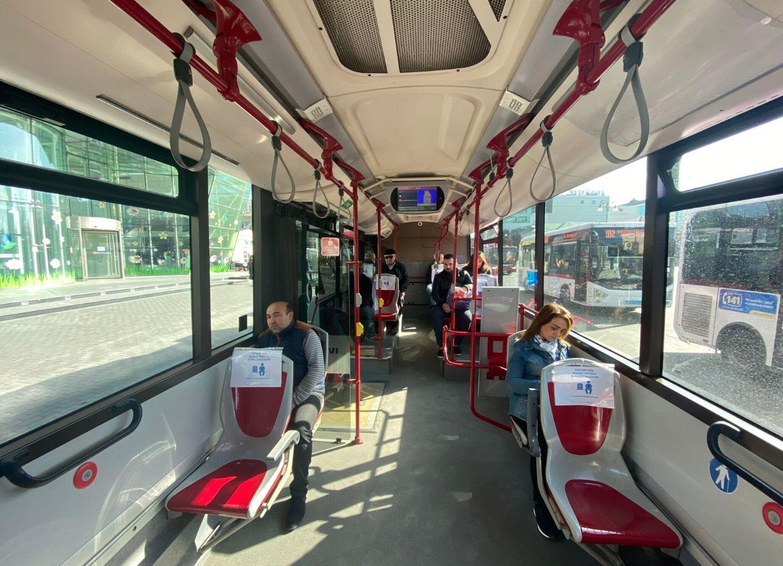 В автобусах BakuBus введена социальная дистанция для пассажиров – ФОТО
