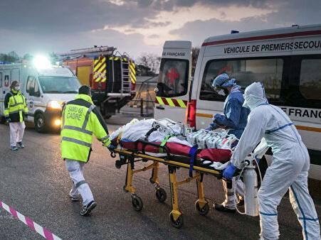 Число жертв коронавируса во Франции выросло до 2606 человек