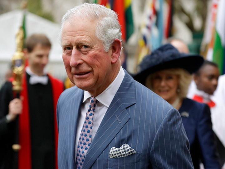 Принц Чарльз вылечился от коронавируса и вышел из карантина