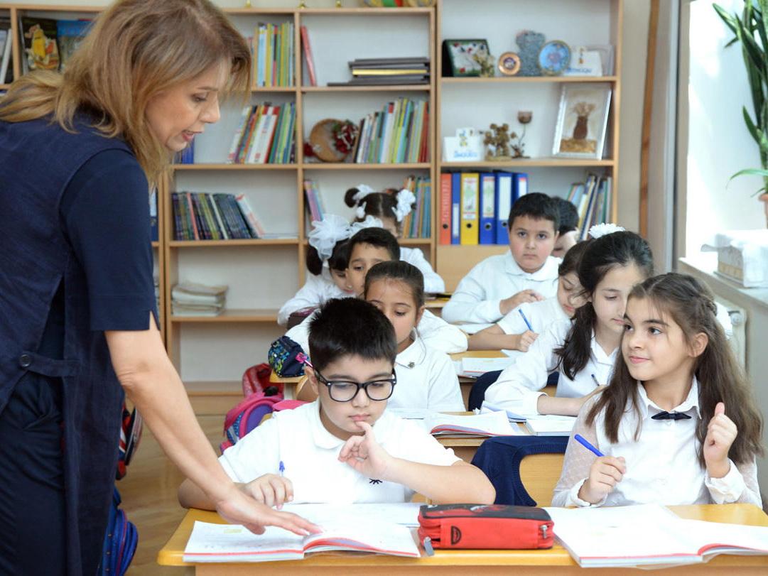 Минобразования Азербайджана опровергло информацию об отсрочке занятий до 15 сентября