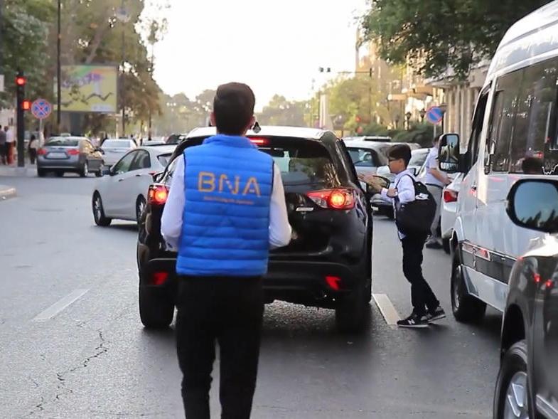 В Баку отменены штрафы за незаконную парковку