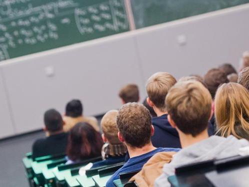 В Азербайджане будет оплачено обучение студентов из социально чувствительной группы населения
