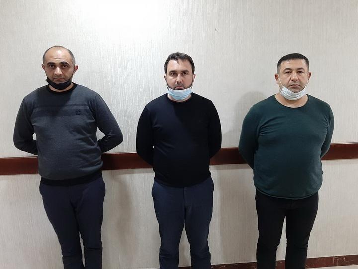В Баку задержан торговец фальшивыми разрешениями на выход из дома и его клиенты – ФОТО