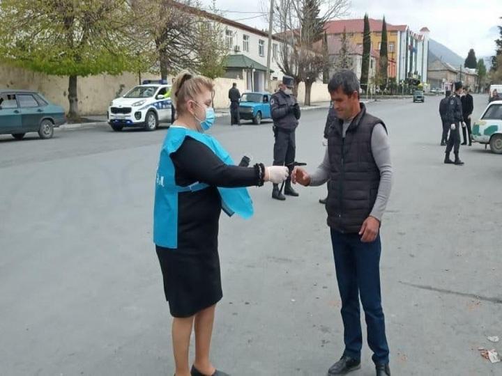 #Evdəqal kampaniyası çərçivəsində əhaliyə pulsuz tibbi maskalar paylanılır – FOTO