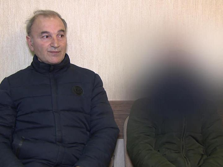 В Баку школьник отправил почти сотню SMS на номер 8103 - ВИДЕО