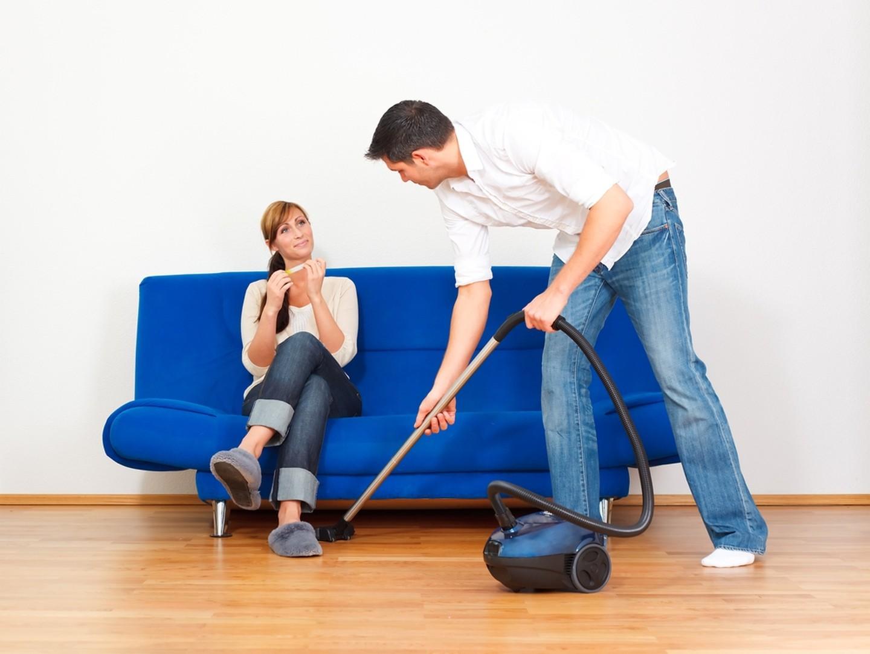 Госкомитет призвал мужчин заниматься домашними делами