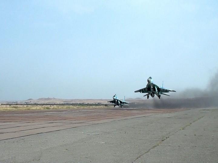 Hərbi Hava Qüvvələrinin MiQ-29 və Su-25 təyyarələri ilə təlim keçirilib - FOTO - VİDEO