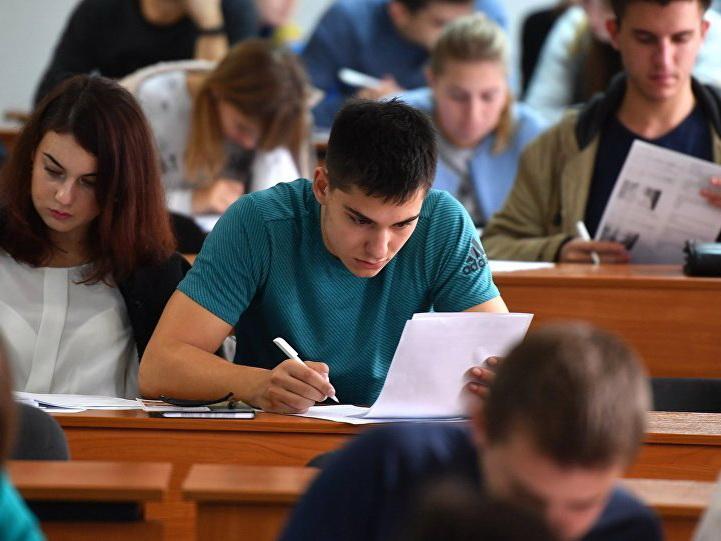 В Азербайджане более 40 тысяч студентов освобождены от сдачи госэкзамена