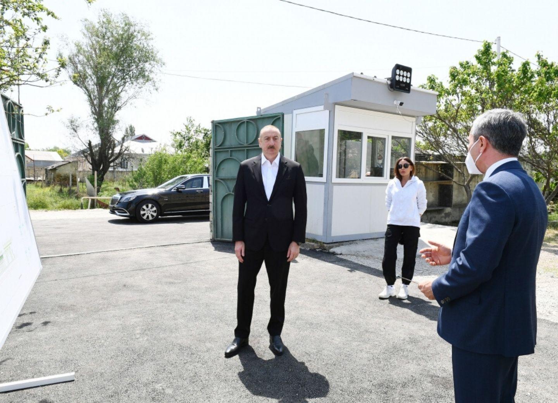 Президент Ильхам Алиев ознакомился с работами, проведенными в рамках реконструкции святыни Пирсаат Баба - ФОТО