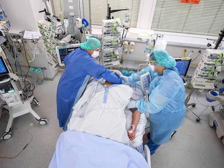 В Турции за сутки от коронавируса вылечились более 1,3 тыс пациентов