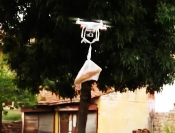 Marketdən çörəyi dronla aldı