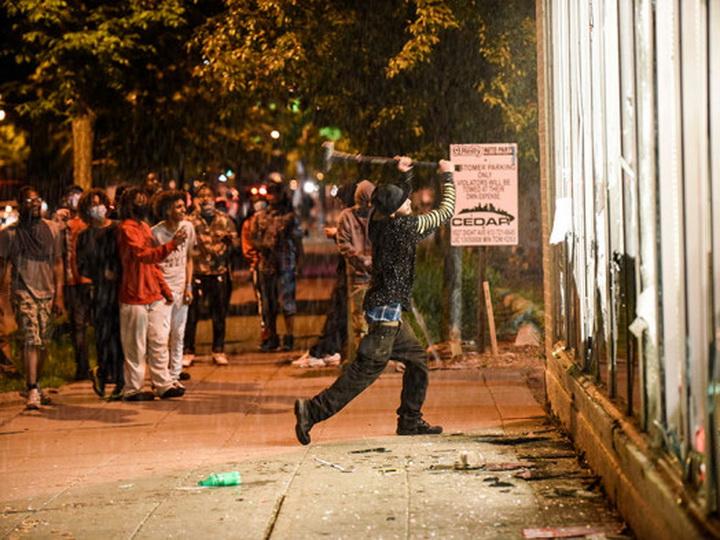 Массовые беспорядки в Миннеаполисе: в город стянуты силы Нацгвардии – ФОТО – ВИДЕО