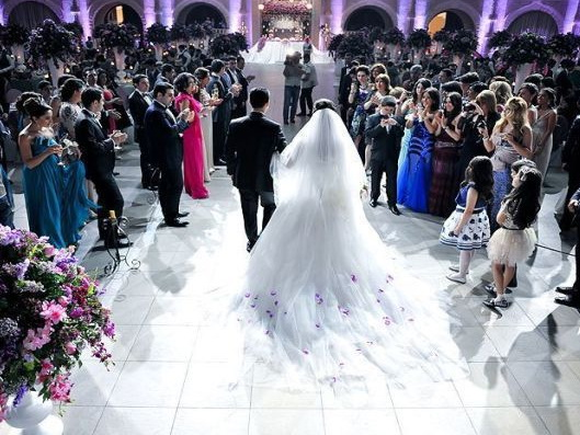 Проведение свадеб и другие запреты, оставшиеся в силе в Азербайджане - СПИСОК