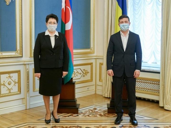Vladimir Zelenski  Elmira Axundovanın etimadnaməsini qəbul edib - FOTO
