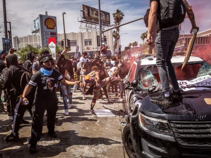США в огне: силы правопорядка не справляются с массовыми беспорядками – ФОТО – ВИДЕО