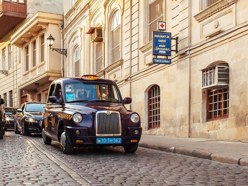Будут ли работать такси в выходные дни в период карантина в Азербайджане?