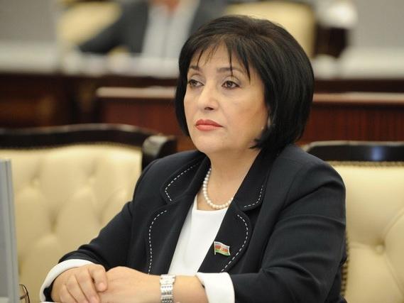 Председатель Милли Меджлиса сделала замечание депутатам