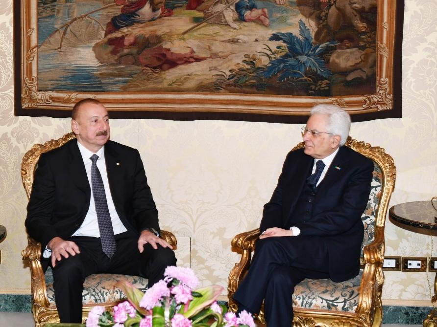 Президент Азербайджана поздравил итальянского коллегу