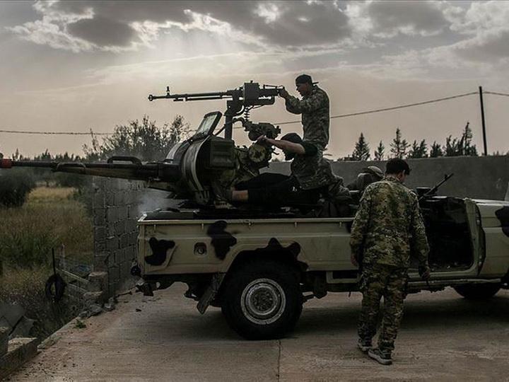 Правительственные войска продвигаются к аэропорту Триполи