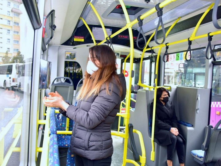 В конце недели может быть запрещено использование общественного и частного транспорта