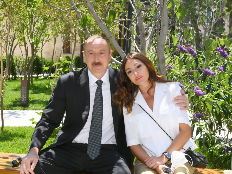 Президент Ильхам Алиев и Мехрибан Алиева посетили Ичеришехер – ФОТО