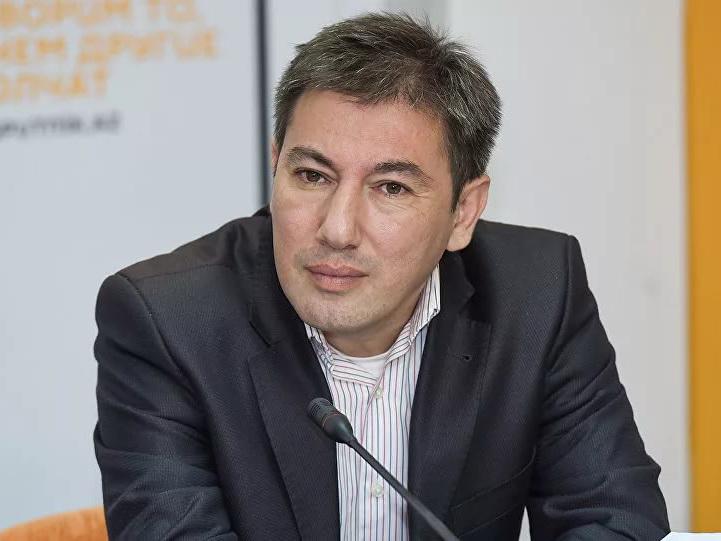 Ильгар Велизаде: В борьбе с COVID-19 Армения проигрывает по всем показателям