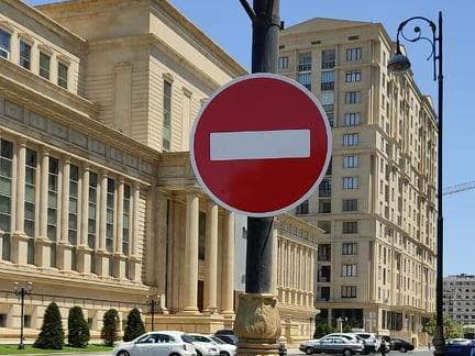 Эта улица в центре Баку стала односторонней – ФОТО – ВИДЕО