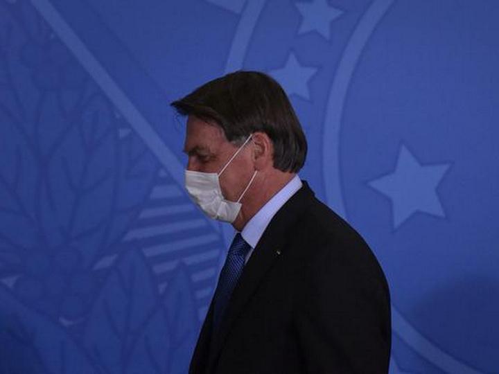 Президент Бразилии Болсонару заразился коронавирусом