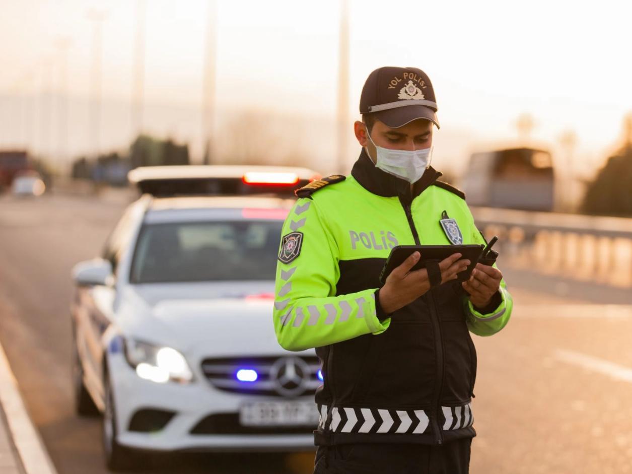 Дорожная полиция за сутки оштрафовала почти 1900 нарушителей карантина