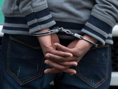 Задержан сотрудник муниципалитета, продававший места на бакинском кладбище