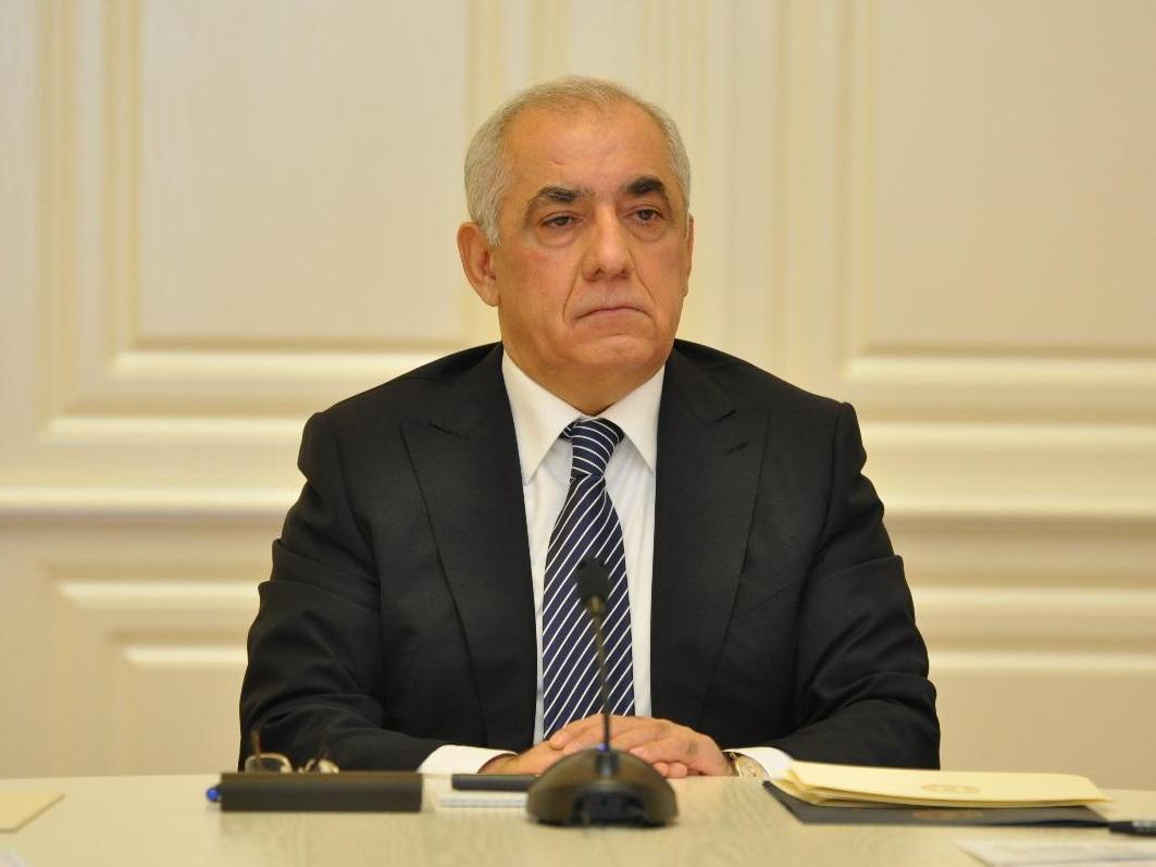 Премьер-министр Азербайджана направил запрос в Конституционный суд относительно трех закрытых банков