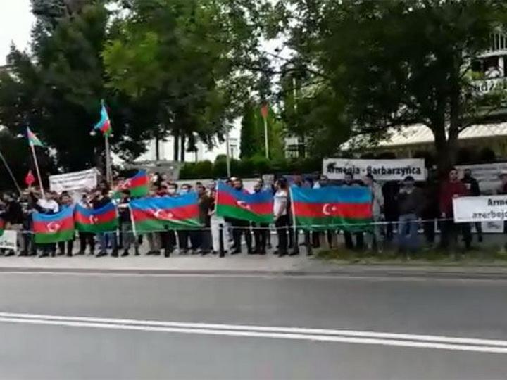 В столице Польши прошла акция в знак поддержки армии Азербайджана - ВИДЕО