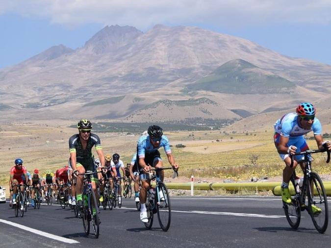 Франция и Швейцария требуют от азербайджанских спортсменов прохождения карантина: Участие в чемпионатах мира и Европы под вопросом