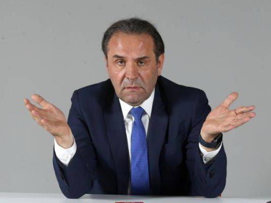 Сербия официально признала поставки вооружения в Армению