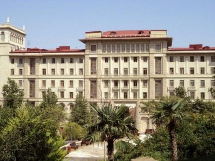 Обсуждены вопросы развития азербайджано-иранских отношений