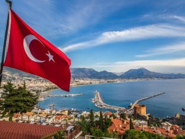 В Турции резко увеличилось число заразившихся COVID-19 после открытия курортов
