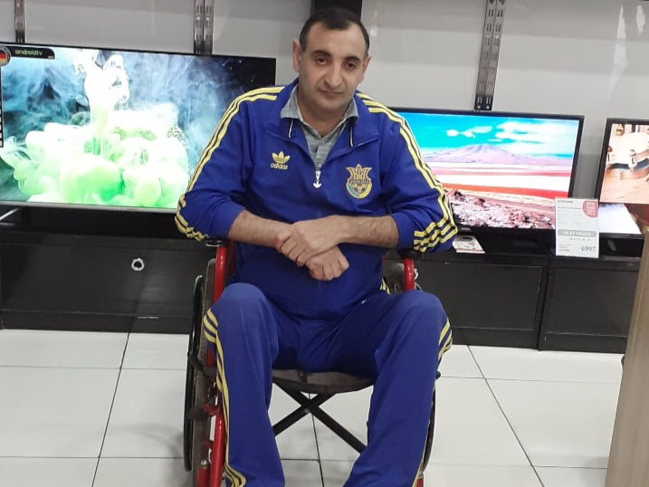 ПРИЗЫВ О ПОМОЩИ. «После операции я снова смогу ходить». Поможем Шахину избавиться от инвалидного кресла – ФОТО
