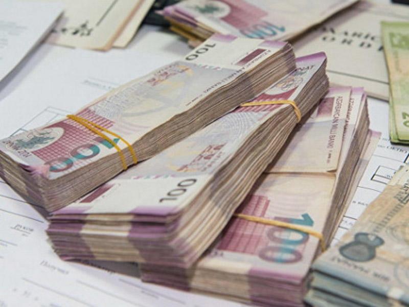 В Азербайджане выросла среднемесячная зарплата