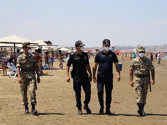 Полиция Баку патрулирует пляжи – ФОТО